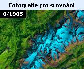 V důsledku zvyšujích se teplot na Zemi ustupují mj. také horské ledovce v Alpách. Zde snímek družice Lansat 5 z 18. srpna 1985 (fotografie v nepravých barvách). Srovnání s předchozím snímkem družice Landsat 8 z 25. srpna 2019 je dostatečně výmluvné. Všechny ledovce mezitím výrazně ustoupily. Obě fotografie dokládají změny v oblasti Montblanského masivu. V poslední době se hovoří například o ledovci Planpincieux na italské straně Alp. V letošním horkém létě ledovec ustupoval rychlostí až 50 centimetrů za den. Experti se obávají, že by mohlo dojít k odlomení kusu ledu o rozloze až 250 tisíc metrů krychlových. Úřady proto koncem září nařídily uzavřít silnici v údolí Val Ferret a evakuovat horské chaty v okolí. Podle glaciologů by alpské ledovce mohly kompletně roztát do konce tohoto století.
