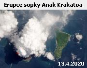 Indonéská sopka Anak Krakatoa (Dítě Krakatoi) na záběru družice Landsat 8 z 13. dubna 2020. Nad sopkou se vznáší oblak tvořený především vodní párou a sopečnými plyny. Vulkán Anak Krakatoa, který vznikl po katastrofální erupci původní Krakatoa v roce 1883, je aktivní již několik let a menšími erupcemi se projevuje poměrně často. 22. prosince 2018 jedna taková nevelká erupce způsobila sesuv velké části sopečného kužele a následná vlna tsunami vzala život 437 lidem v okolí Sundského zálivu.