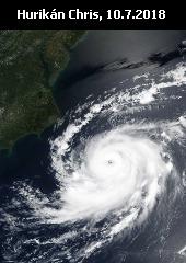 Hurikán Chris u východního pobřeží USA, záběr družice Suomi NPP (NASA).