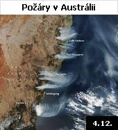 Rozsáhlé požáry buše na jihovýchodě Austrálie pohledem družice Suomi NPP ze 4.12.2019. Fotografie zachycuje požáry v blízkosti pobřeží v Novém Jižním Walesu a severně od hranic s Queenslandem. Od října způsobil ohnivý živel smrt nejméně šesti lidí a zničil přes 700 budov. V Novém Jižním Walesu, kde je situace nejhorší, byla spálena vegetace na ploše o velikosti 1,6 milionu hektarů. Další požáry zuří v Queenslandu, Victorii, Jižní a Západní Austrálii a Tasmánii. Hasičům se zatím na řadě míst nedaří oheň uhasit ani kontrolovat. Léto v Austrálii je suché a velmi horké, teploty tam vystupují i nad 40 stupňů Celsia. Popel pokryl pláže, voda u pobřeží podle zpráv z médií zcela zčernala. Dým z požárů také výrazně zhoršil kvalitu ovzduší, a to i ve velkých australských městech, jako je Sydney.