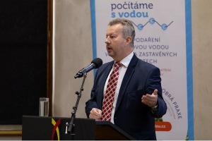 Ministr životního prostředí Richard Brabec při úvodním projevu na konferenci
